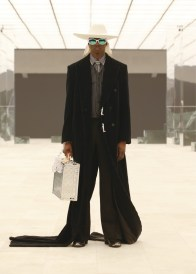 Louis-Vuitton-Fall-Winter-2021-Mens-Collection-070