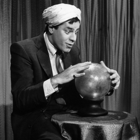jerry-lewis-looking-into-crystal-ball