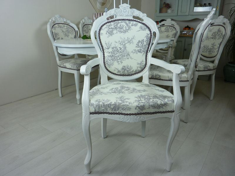 French Style Table With 6 Upholstered Chairs Painted