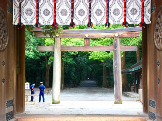 "The ""wall of peace"": Meiji Jingu shrine, Tokyo. Photo: Simon Carter"