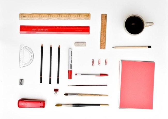 7 Things To Think About Before Becoming An Entrepreneur - organised desk image