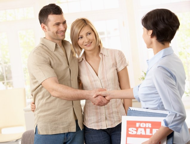 Tips for finding the Best Real Estate Agent - house sale image