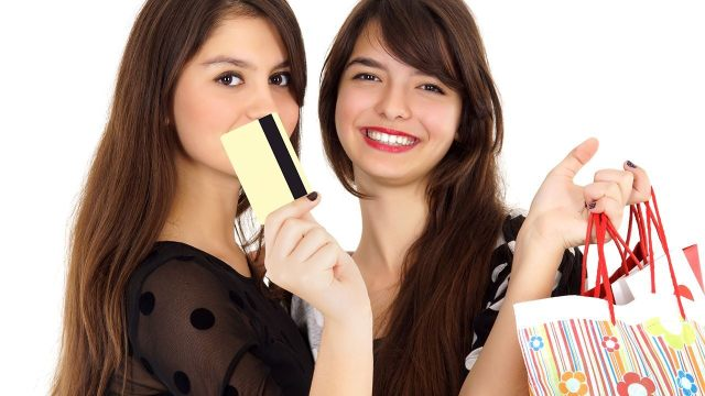 Is There A Credit Gender Gap? - teens and credit card image