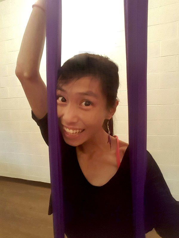 yoga, trapeze, selfie