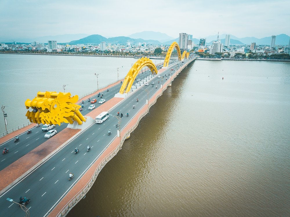 dragon bridge da nang vietnam
