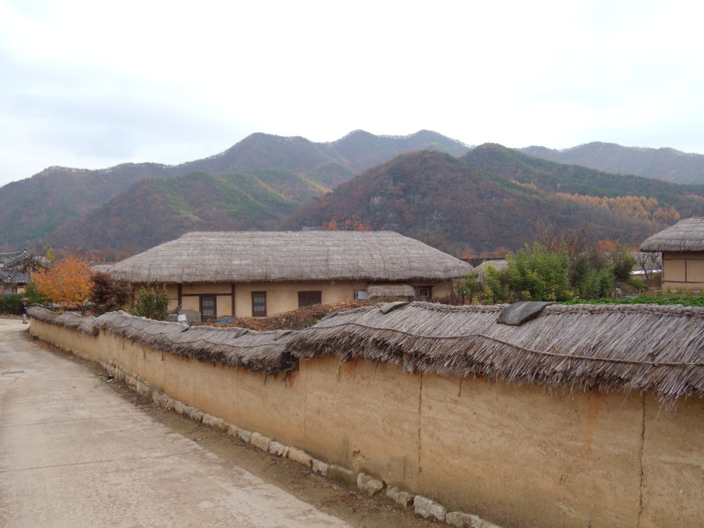 andong-hahoe-village-korea-traditional-hanok