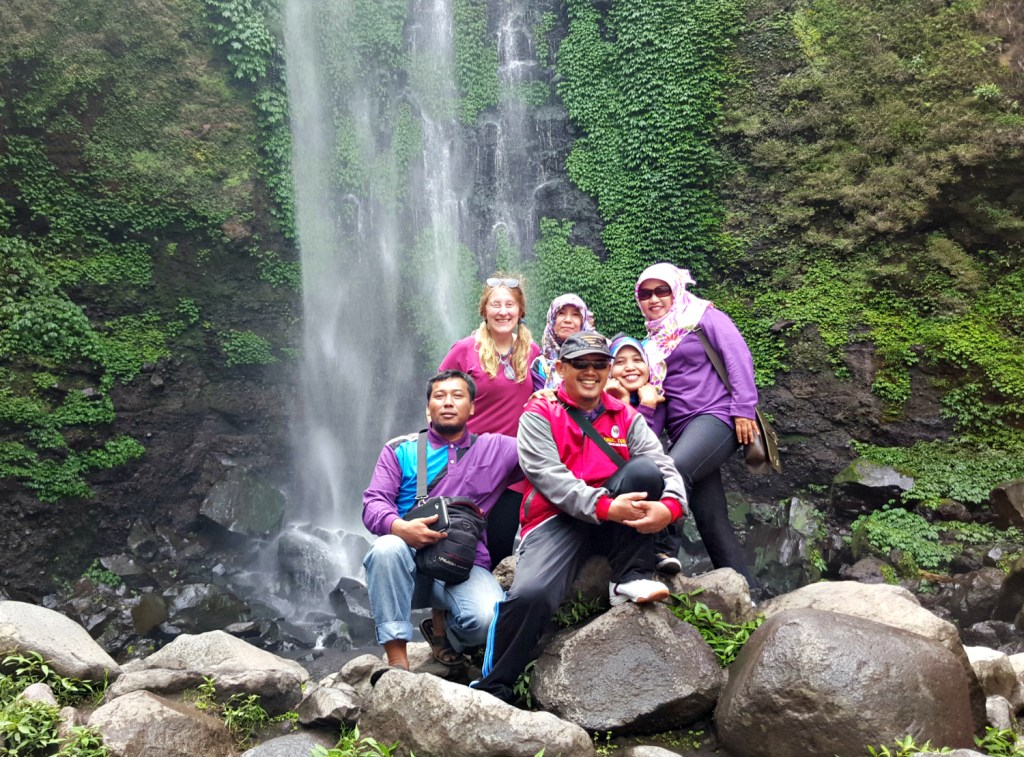 Air-Terjun-Coban-Rondo-waterfall-family-portrait