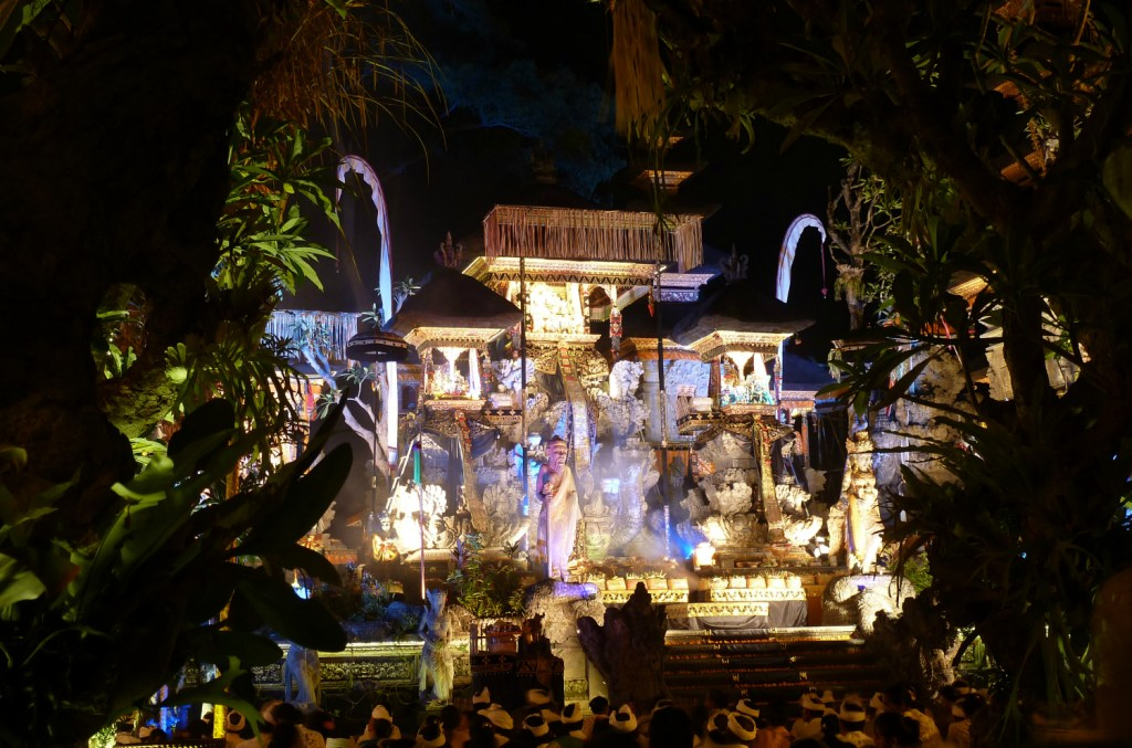 temple-bali-ubud-celebrations-december