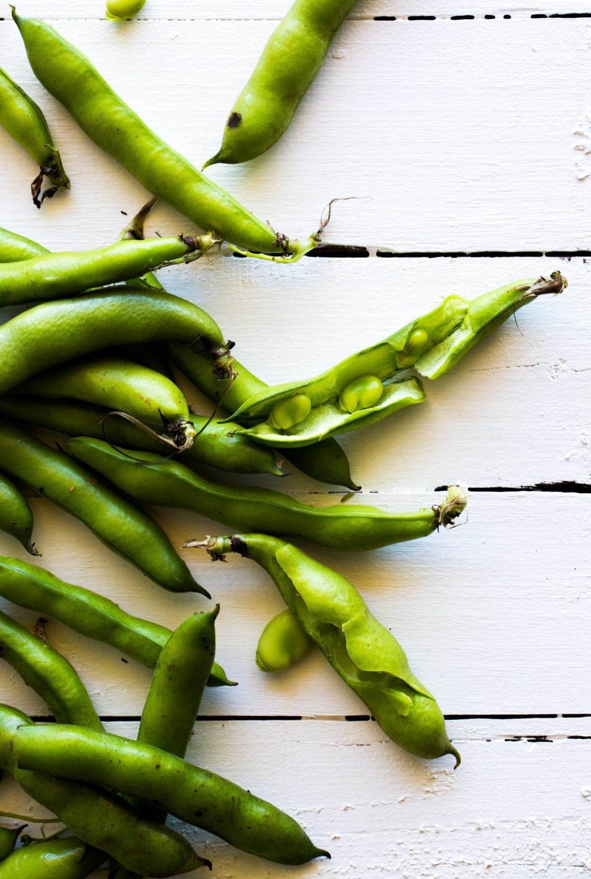 broad-bean-tarragon-avocado-crostini-15-of-1