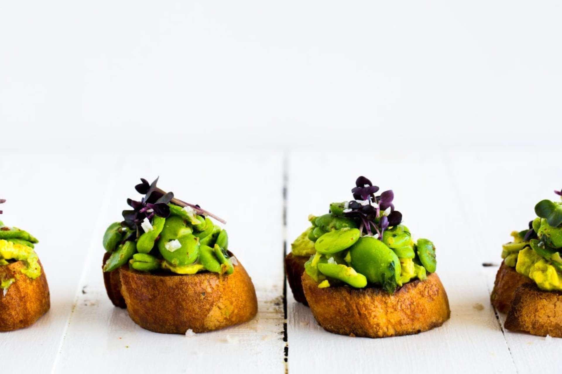 broad-bean-tarragon-avocado-crostini-18-of-1