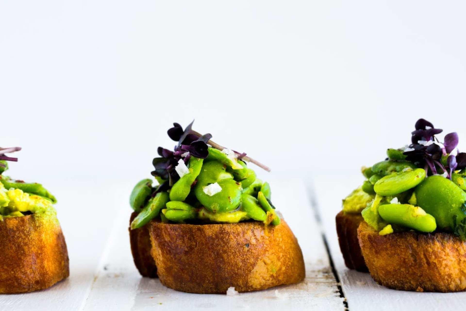 broad-bean-tarragon-avocado-crostini-6-of-11