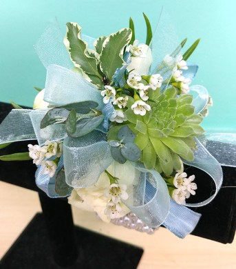 prom   The Flower Diva Prom Corsage White Green Design NC