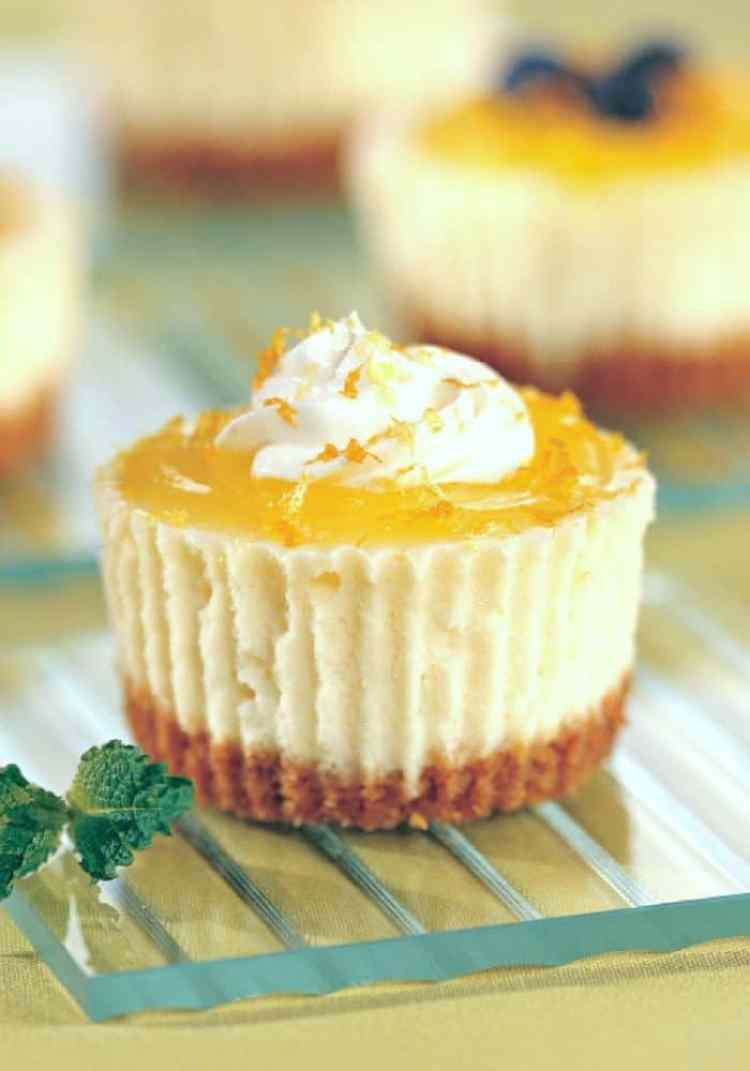 Lemon Cheesecake Cupcakes. The Flying Couponer.
