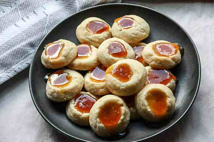 A plate of cookies, with Caramel sauce