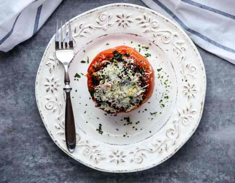 羽衣甘蓝and Quinoa Stuffed Tomatoes