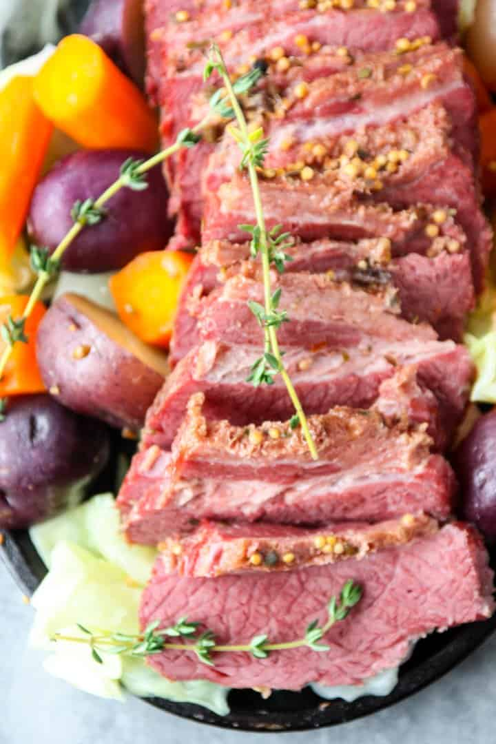 sliced slow cooker corned beef and cabbage