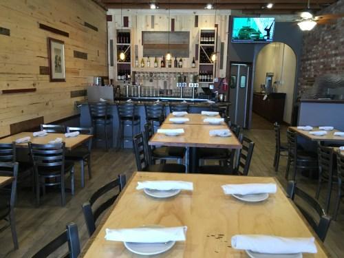 608 restaurant oceanside dining room
