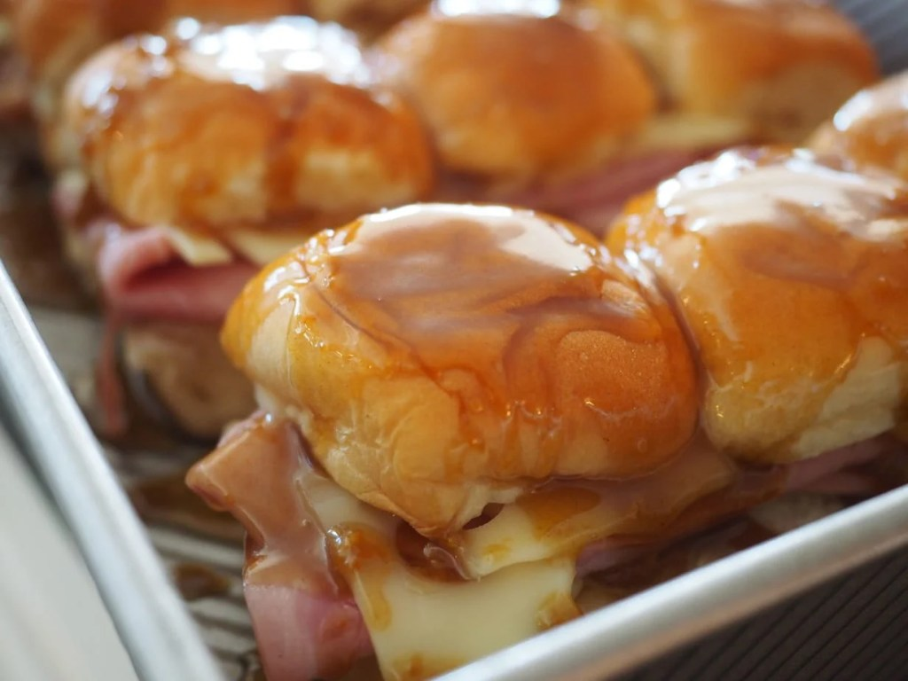 Ham & Swiss Sliders | www.thefreshcooky.com