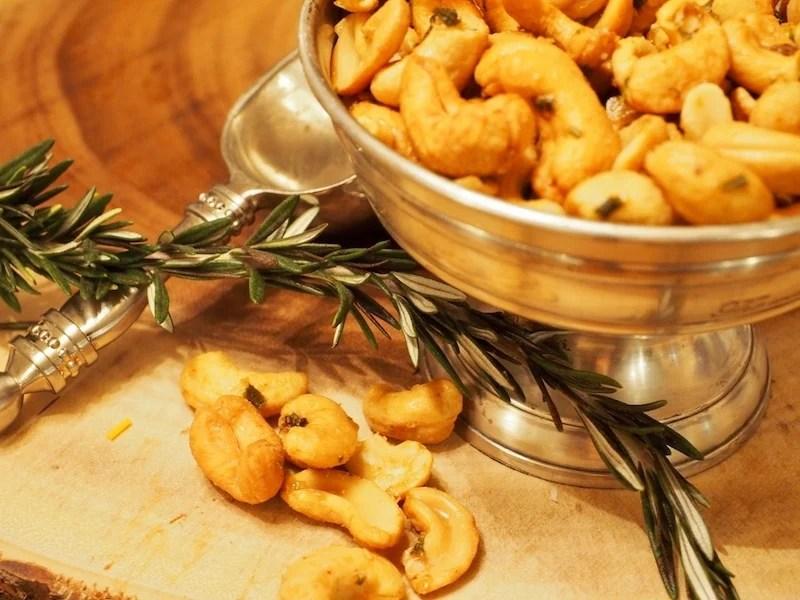 rosemary cashews | www.thefreshcooky.com