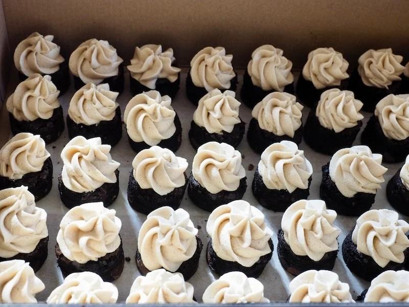 Espresso Brownie Bites with Kahlua Buttercream | www.thefreshcooky.com