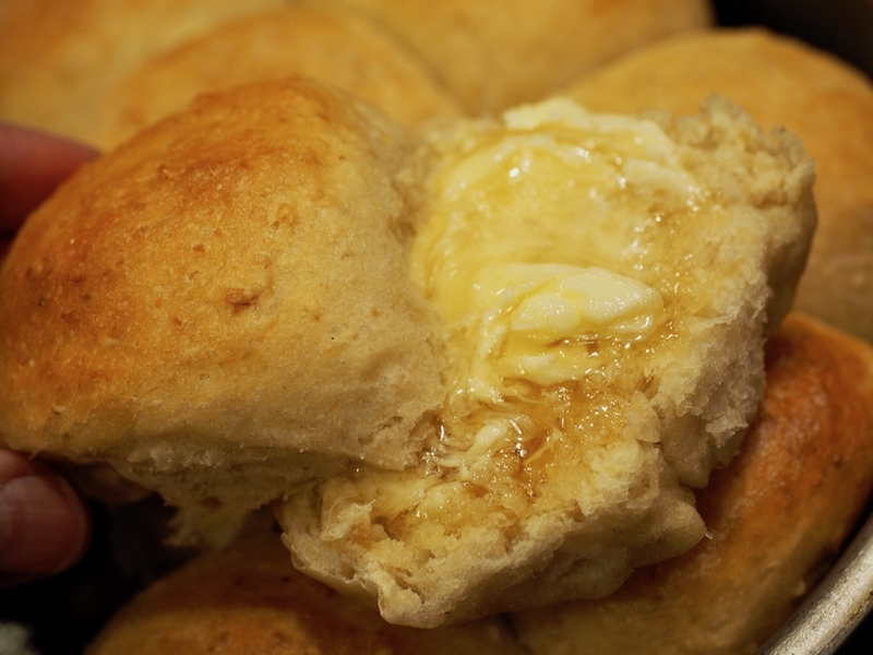 Oatmeal Dinner Rolls   www.thefreshcooky.com #oatmealrolls #oats #dinnerrolls #rolls #oatmealdinnerrolls #bestrolls