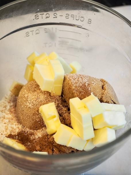 Cinnamon Crunch French Toast Casserole | www.thefreshcooky.com
