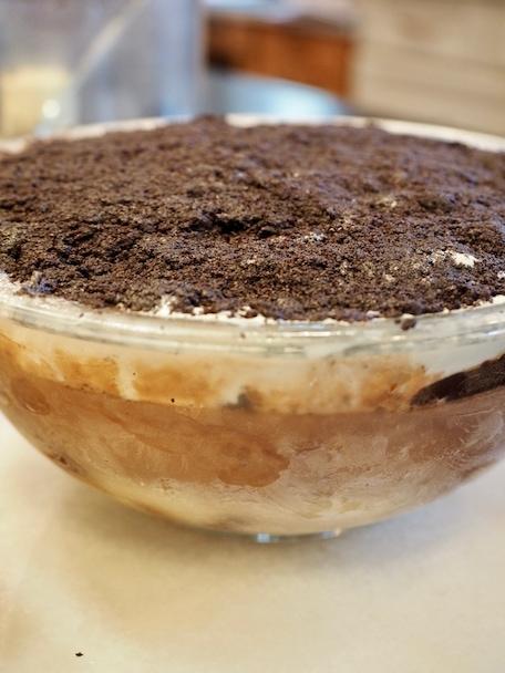 Mud Pie Ice Cream Cake   www.thefreshcooky.com