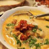 Zuppa Toscana Soup {Tuscan Soup}