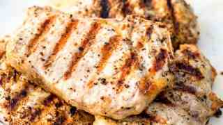 Grilled Pork Chops (How to Grill Juicy Pork Chops)