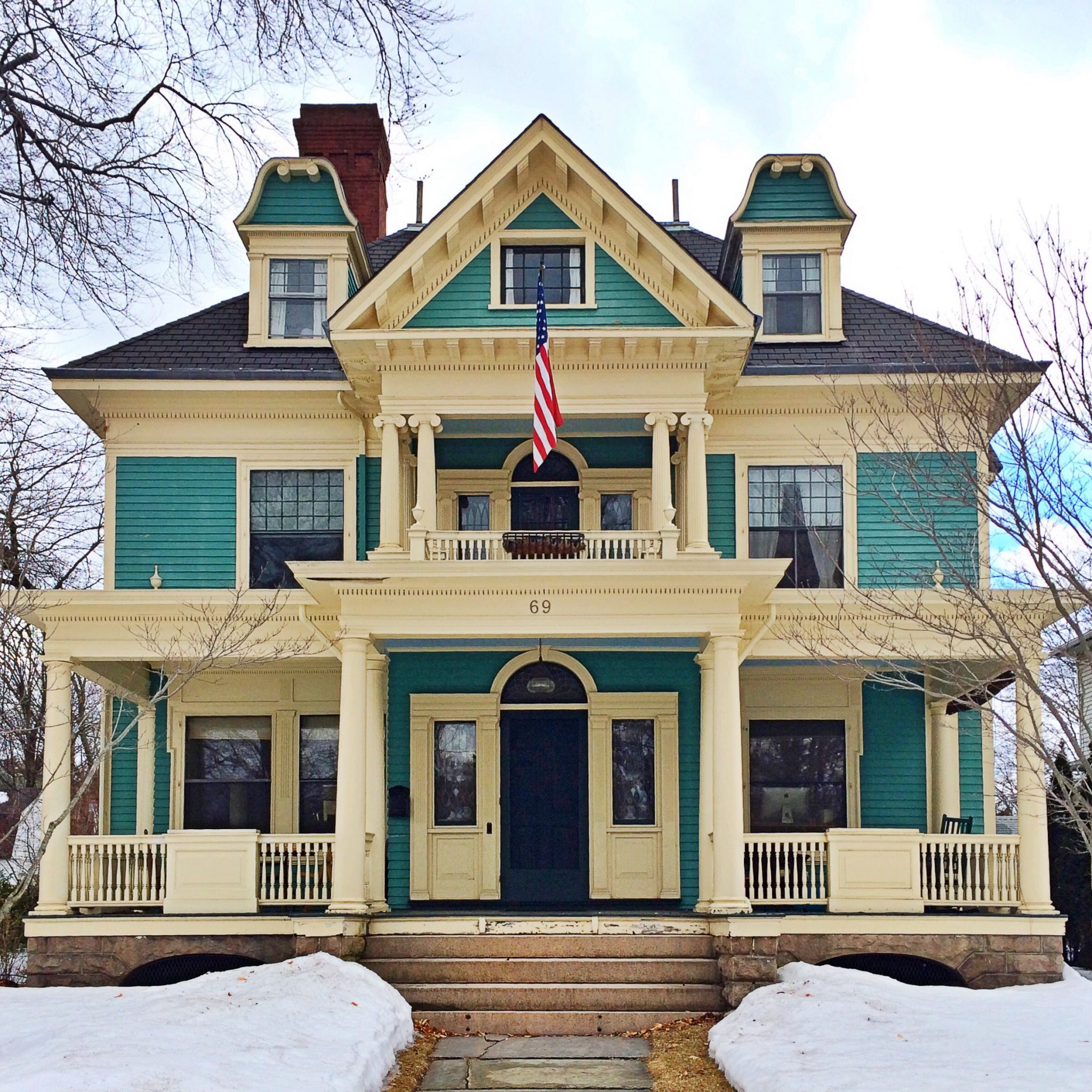 New england history architecture and front door for Victorian house facts
