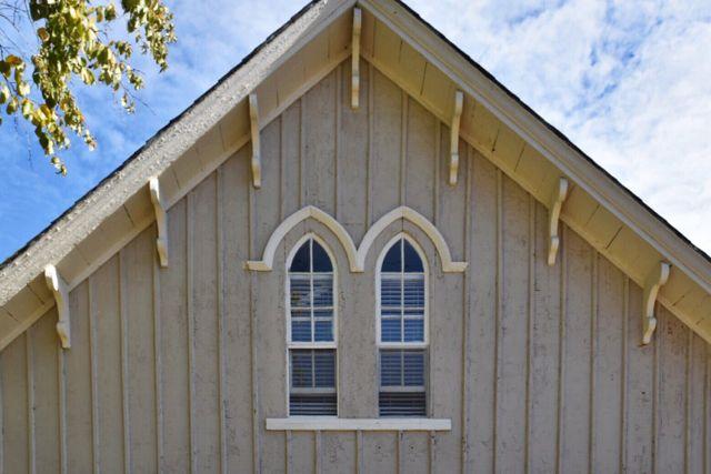 carpenter gothic, arched windows, tariffville, simsbury, ct, connecticut