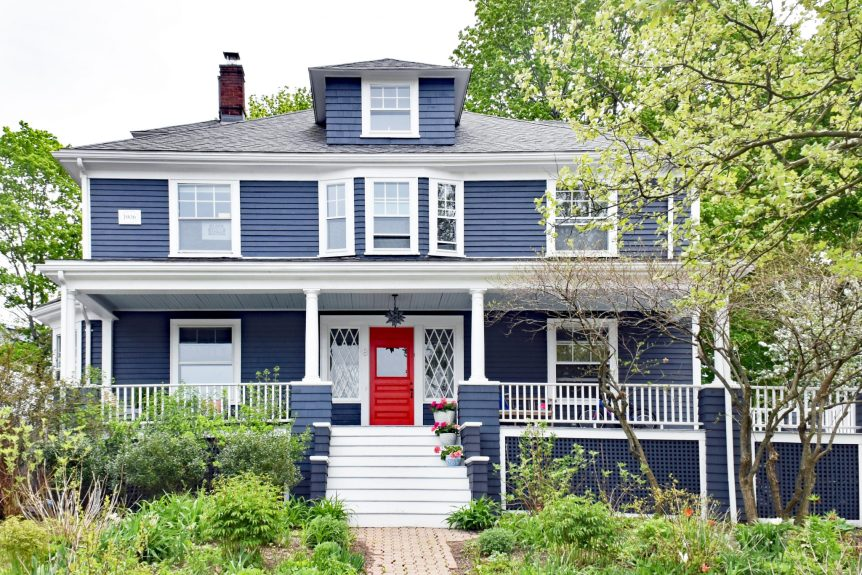 New england history architecture and front door inspiration - House with blue door ...