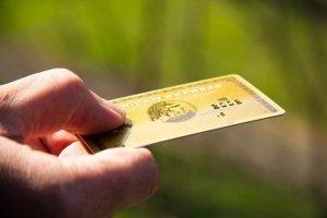 credit-card-amex-clueless-friend