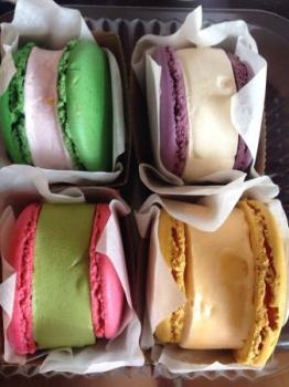 macaroon-ice-cream-sandwiches
