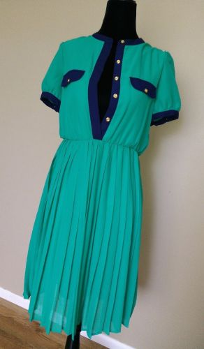 kelly-green-dress