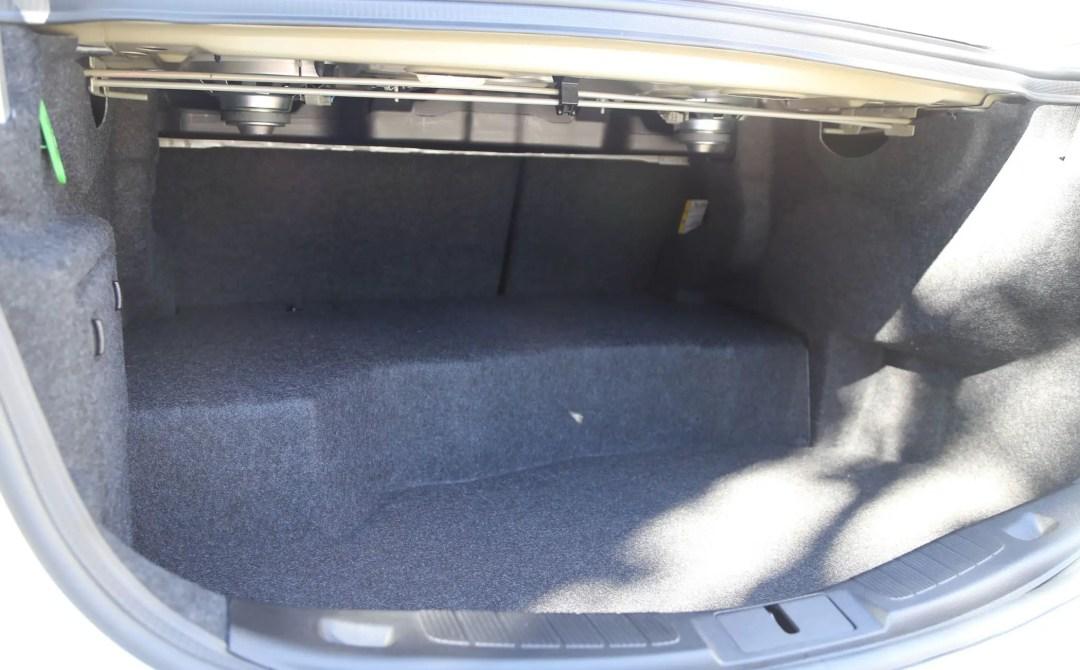 2017 Ford Fusion Hybrd trunk