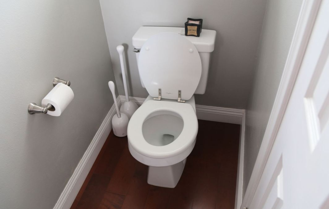 How to Hide Embarrassing Bathroom Noises in Your Home