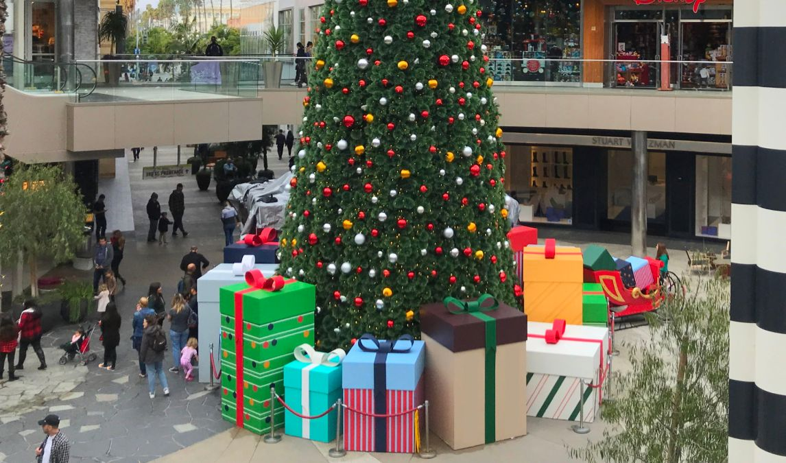 Maybe It's Time to Stop Exchanging Gifts During Holidays