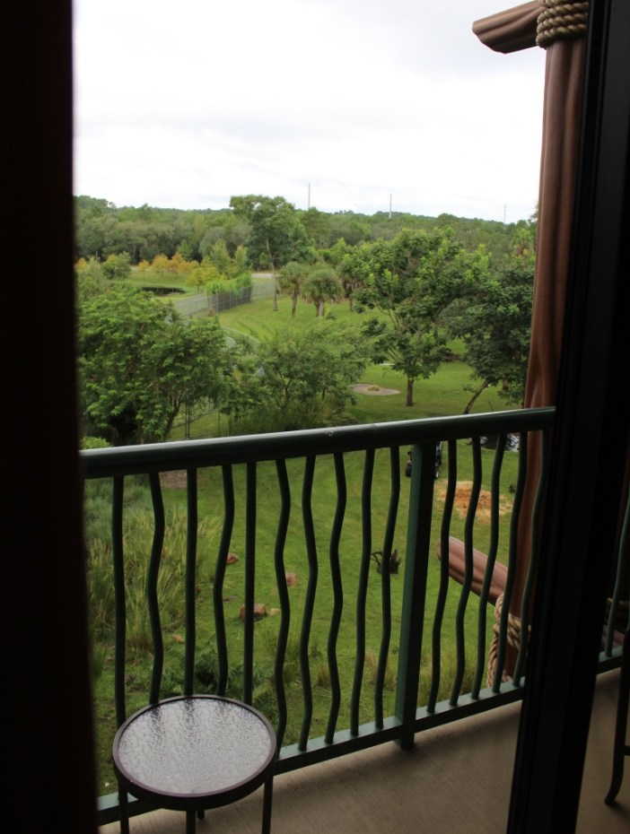 Everything you need to know about Disney's Animal Kingdom Lodge! An Animal Kingdom Lodge review of rooms, dining, pools, amenities and more. #disneyworld #tripplanning #disneytravel