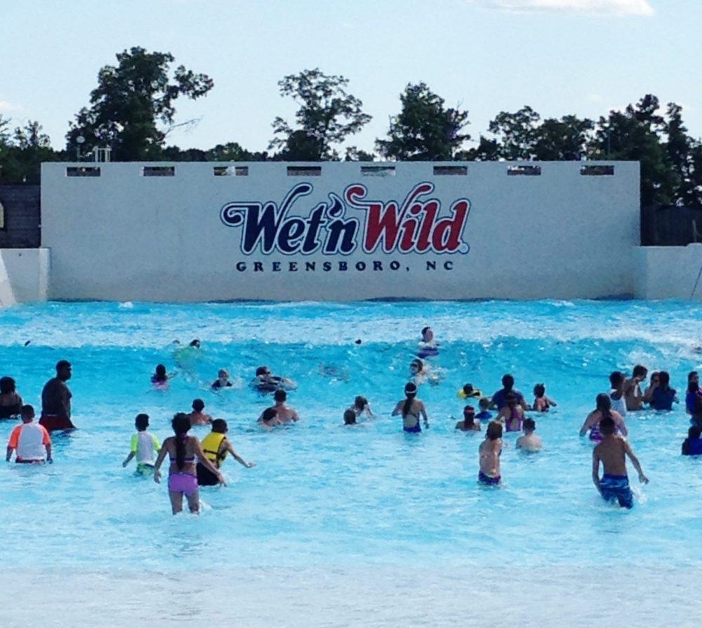 Beat the summer heat with a fun family trip to Wet n' Wild SplashTown in Spring, Texas! Scream your way down heart-stopping slides like the Brain Drain with a fast 7 story twisting drop, hang ten on the surfing emulator, FlowRider, or let the little ones loose at the Blue Lagoon Activity Pool or Tree House.