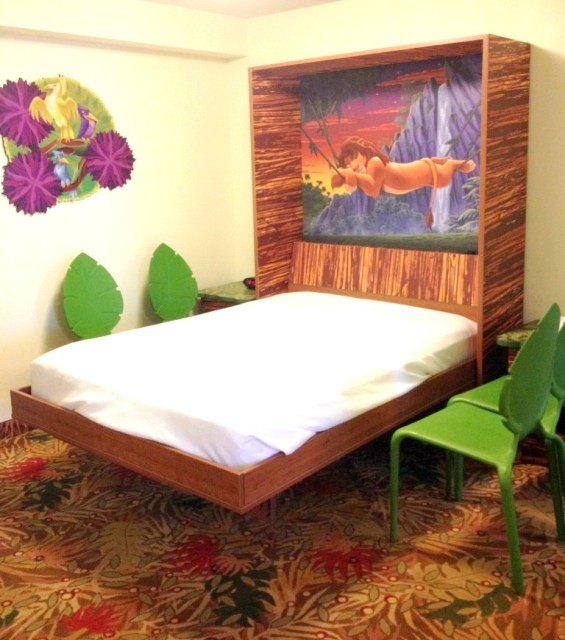 Murphy bed at Art of Animation family suite