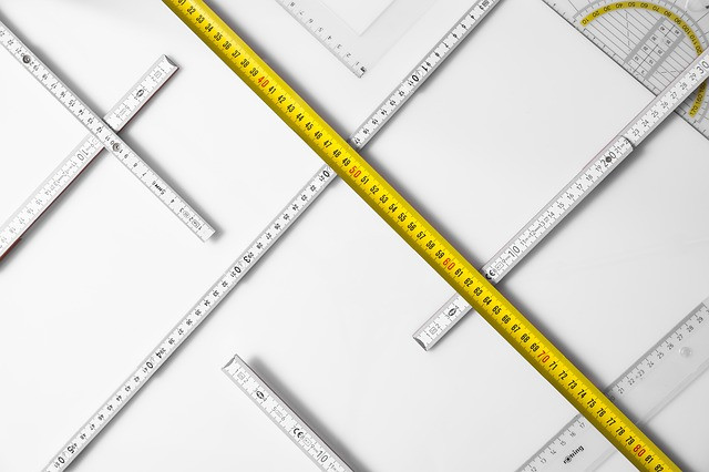 tape measures and rulers