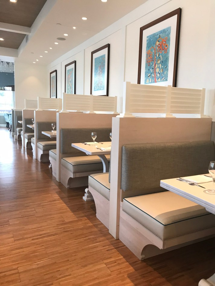 booths in restaurant
