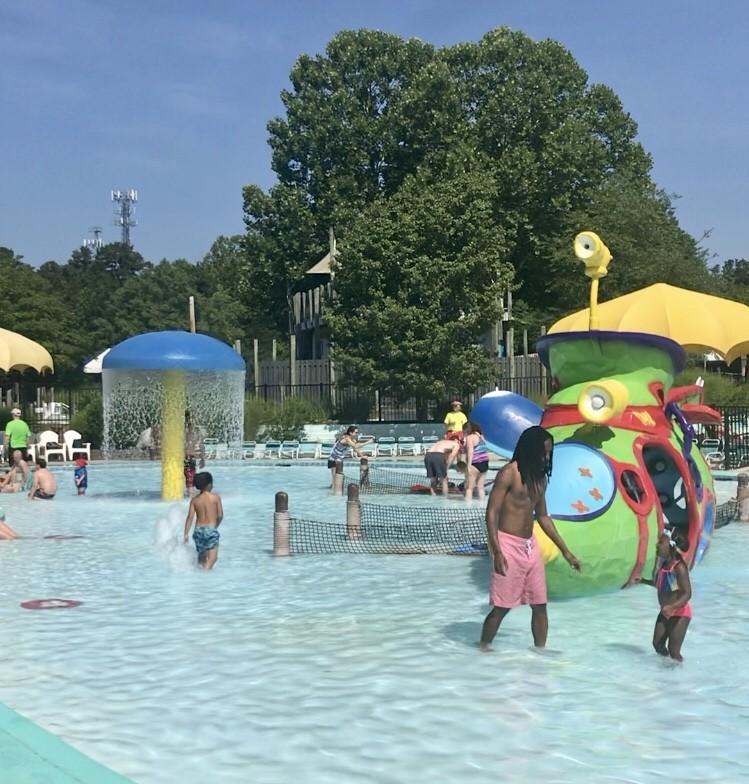 Wet n Wild Emerald Pointe play area