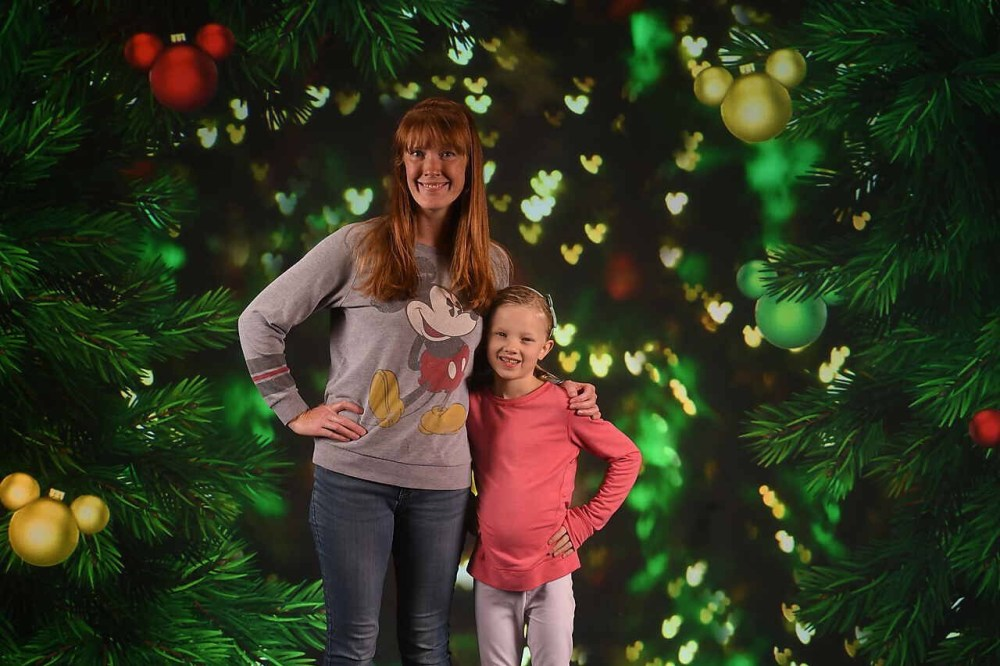 mom and daughter disney christmas photo