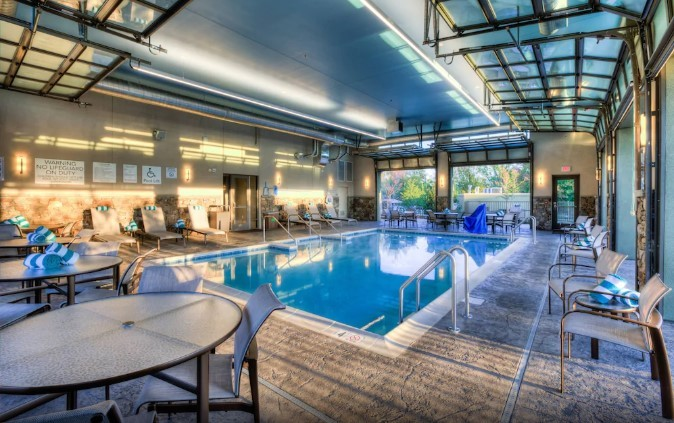 Courtyard By Marriott Pigeon Forge indoor pool