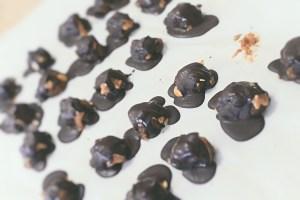 low sugar, gluten free, vegan snickers bites