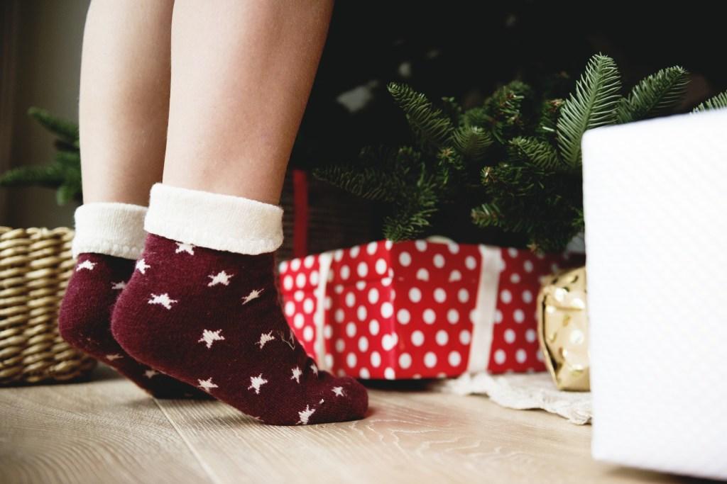 christmas, simple christmas, kids, gift giving, experience gifts, six gifts, Christmas gifts, Christmas presents, psychology gift giving