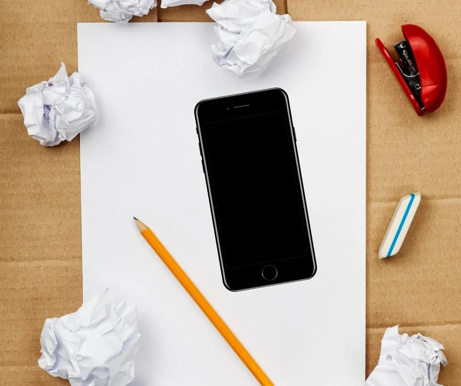 Creating a simple budget is exactly that. Simple. All you really need is a piece of paper and a smartphone and you're set. Here's how to do it.