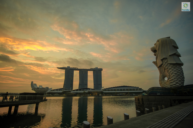 Sunrise at the Merlion Plaza.